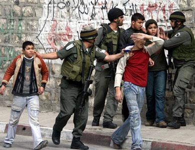 1228951359palestinian_children_arrested